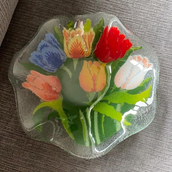 "Peggy Karr 8"" scallop edge tulip fused glass bowl"